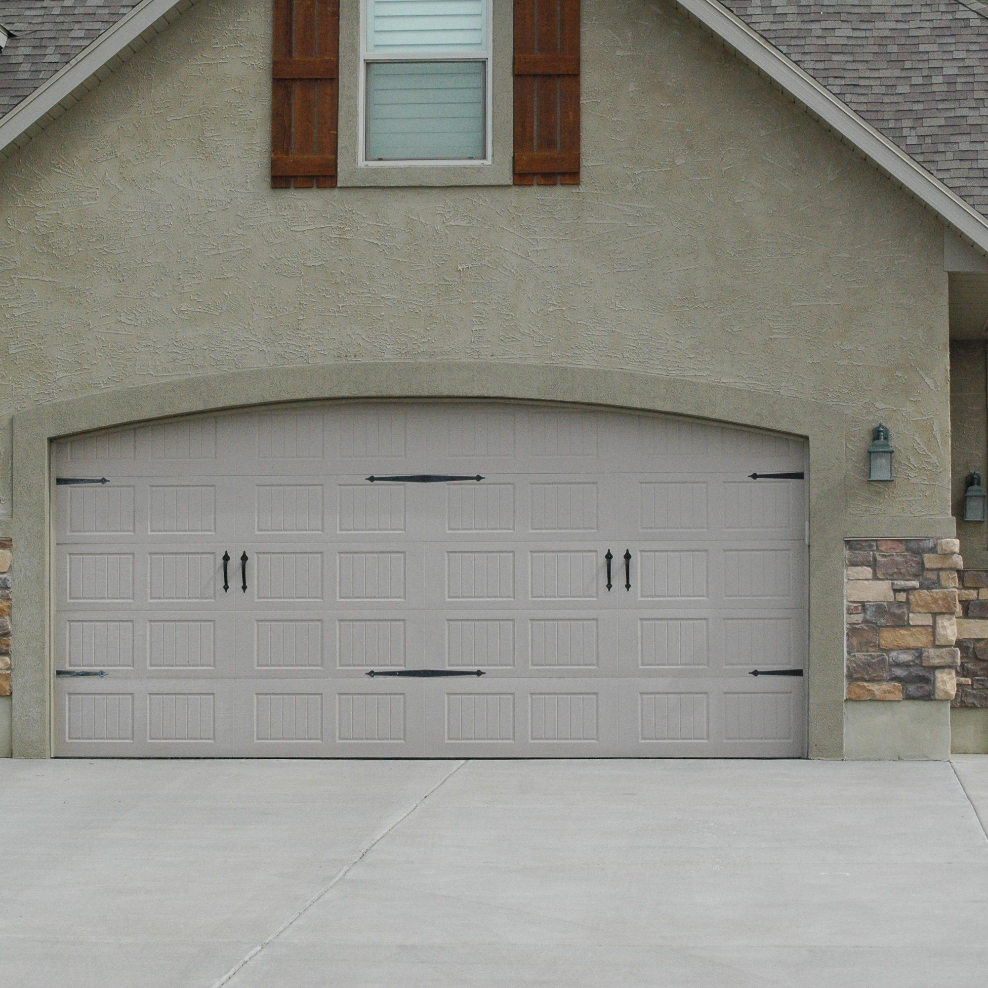 Pinnacle Steel garage door